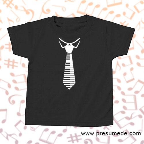 Camiseta infantil con corbata de teclado